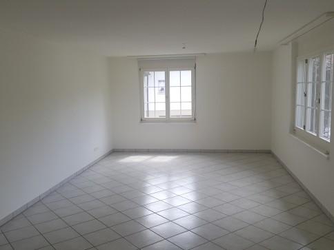 Ruhige 4.5 Zimmerwohnung