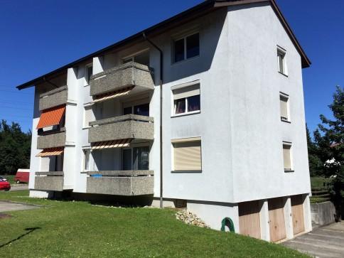 Schöne 4.5-Zi.-Whg. mit 2 Balkonen und separater Küche