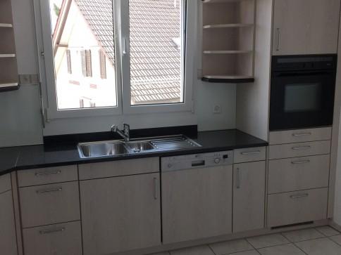 Schöne 4.5 Zi-Wohnung für Nichtraucher mit Marmorböden+Wintergarten