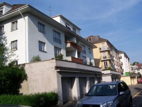Schöne Dachwohnung in ruhigem Quartier