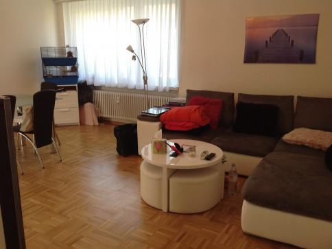 Schöne helle 2 Zimmer Wohnung in einem Hinterho an sehr zentraler Lage