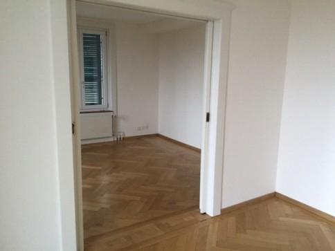 Schöne, ruhig gelegene Wohnung, grosse Küche in 3-Familienhaus