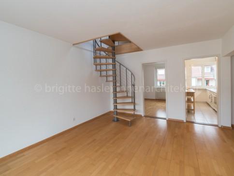 Sehr gepflegte Maisonette-Wohnung mit Balkon an ruhiger,sonniger Lage