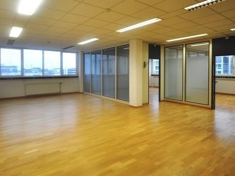 Sehr helle Büroräumlichkeiten in Allschwil