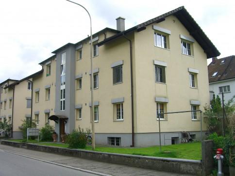 sonnige 3-Zimmer-Wohnung mit Balkon (1. OG)