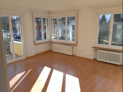 Sonnige, helle 3-Zimmer Wohnung, stadtnah und steuergünstig