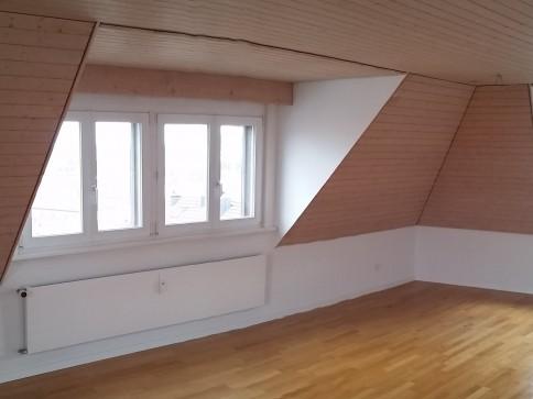 sonnige u. einzigartige 3 1/2 Zimmer Maisonette Wohnung (nähe Spital)