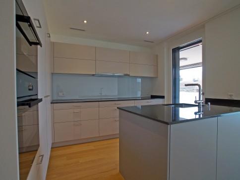 Top ausgestattete Wohnung mit viel Innen- wie Aussenfläche
