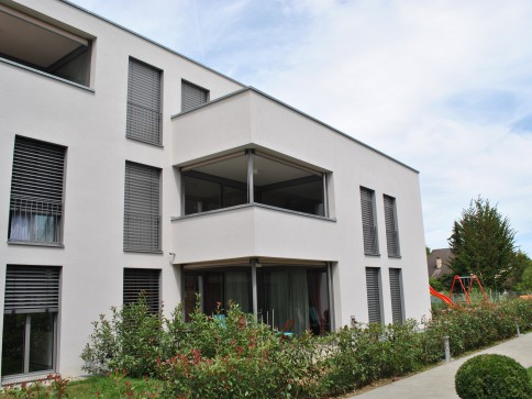 Traumhafte neue Wohnung mit Hobbyraum und 2 Autoeinstellhallenplätzen