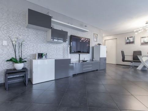 Urbane 5.5-Zimmer-Wohnung mit edlem Innenausbau an zentraler Lage
