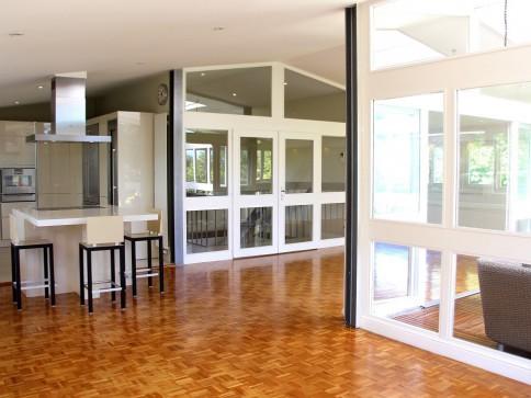 Villa individuelle de 9 pièces sur un terrain de 1'650 m² en Terre-Sai