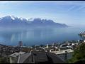 Vue sur Lac et Montagnes