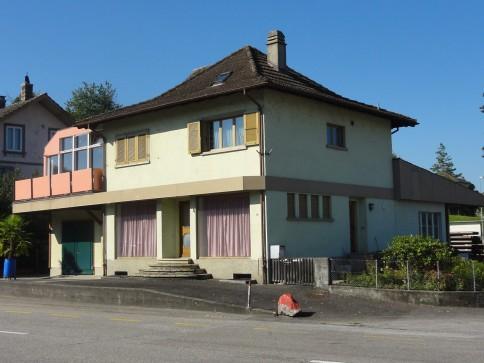 Wohn- und Gewerbehaus