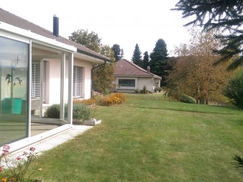 wunderschönes Haus in grüner Idylle