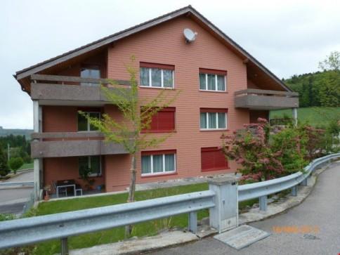 Zu vermieten in Schwarzenburg 4.5 Zi-Dachgeschosswohnung mit Galerie
