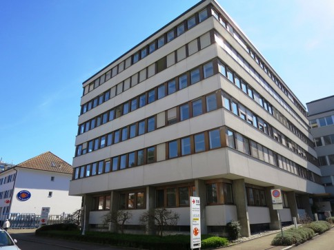Zusammenhängende Büroräumlichkeiten (Nr. 1,12-15,19) gesucht?
