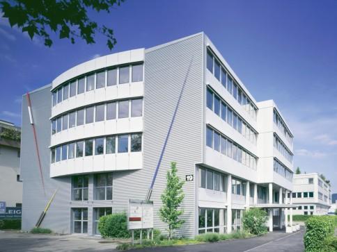 153 m2 moderne, helle Büroräume & 20 m2 Lagerraum zu vermieten