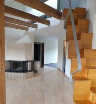 2.5 Zimmer Maisonette-Dachwohnung mit Balkon: Perfekt gelegenes Bijou!