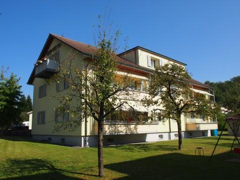 2-Zimmer-Dachwohnung + 2 Nebenräume