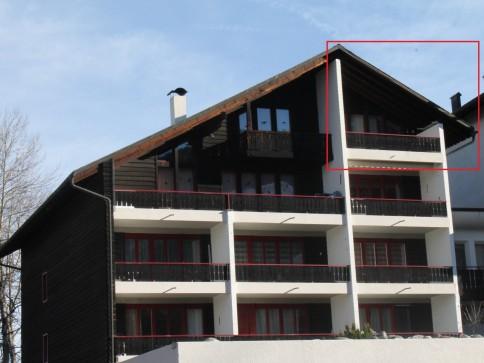 3.5-Zimmer-Dachwohnung und Panoramablick in Obersaxen Tschappinahüs