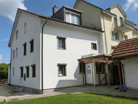 3-stöckiger 4.5-Zi-Hausteil mit Garage und Gartenhaus