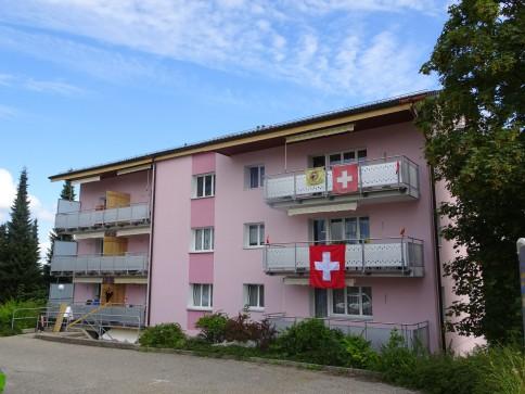 4 1/2 Zimmer-Wohnung in total saniertem Mehrfamilienhaus