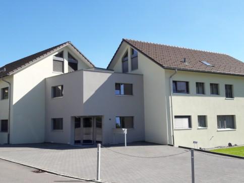 4.5 Zimmer Wohnung mit eigenem Gartensitzplatz und Waschküche