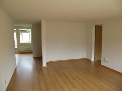 8-tung! Sonderangebot für teilsanierte helle Wohnung an guter Lage!