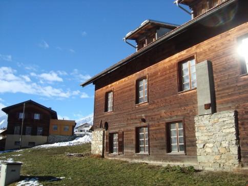 Alte Schreinerei mit altrechtlicher Zweitwohnung im Val Lumnezia