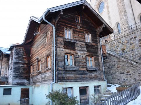 Altes Walliserhaus mit 2 Kleinwohnungen