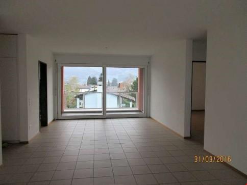 Appartamento di 4,5 locali a Camorino (157-210)