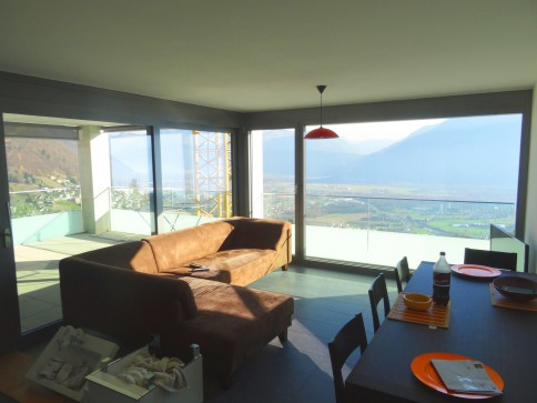 Appartamento vista lago a Contra