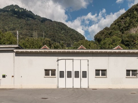 Büro mit Werkstatt/Lager zu vermieten