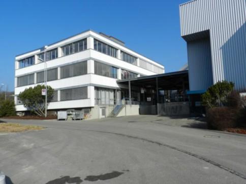 Büroräumlichkeiten in Brügg bei Biel am Bahnhof
