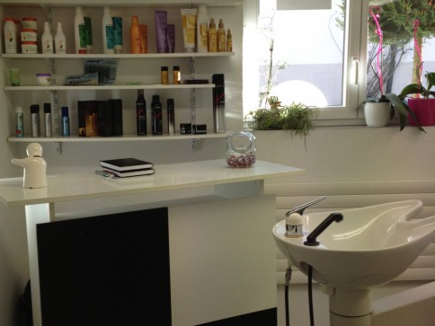 Coiffeur , Kosmetik, Nageldesignerin Salon alles eingerichtet