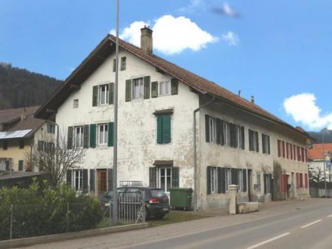 Cormoret, immeuble mixte, commercial et habitation