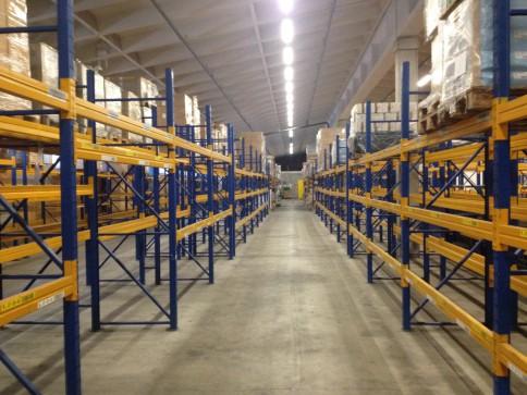 Dépots de 7345 m2 divisibles à partir de 500 m2 à louer à Bussigny