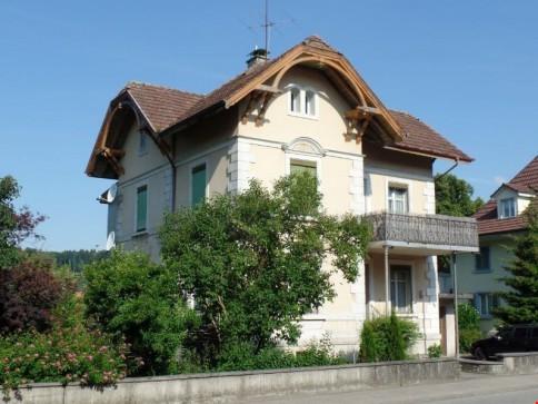ein Bijoux - helle 3 Zimmer Wohnung mit Charme