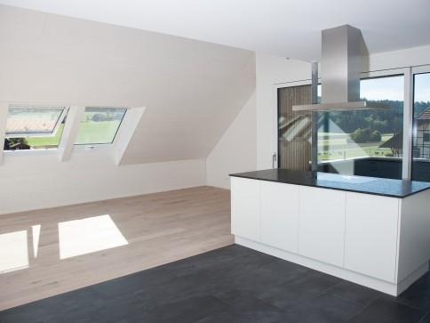 Erstbezug 5.5 Zimmer Maisonette mit Galerie