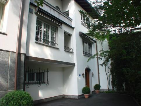 exklusives Stadthaus mit Privatgarten