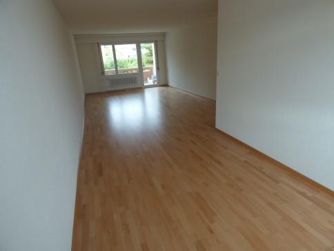 Frisch renovierte 5 Zimmer Wohnung in Mönchaltorf
