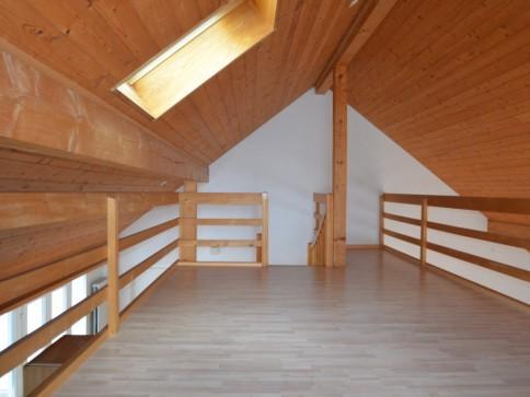 Gemütliche ländliche Dachwohnung mit Weitsicht