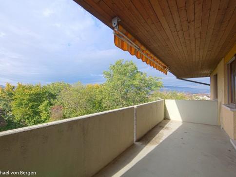 gemütliche Wohnung mit sonnigem Balkon