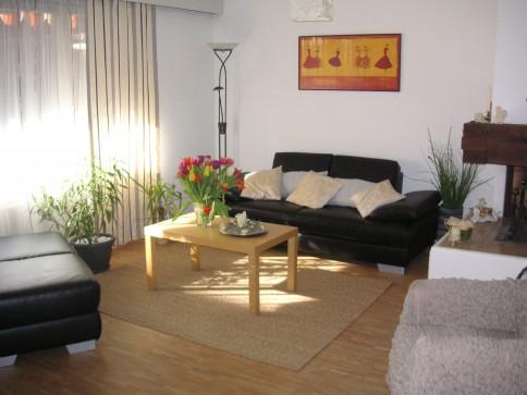 Geräumiges 5.5 - Zimmer Enfamilienhaus in ruhigem Quartier