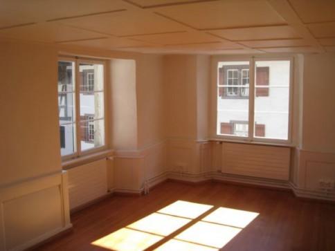 Grosse Altbau 4.5-Zimmer-Wohnung