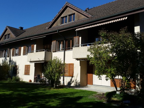 Grosszügige 2,5 Zimmerwohnung mit Balkon