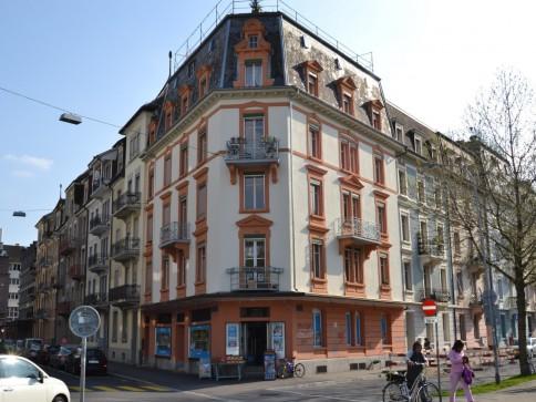 Grosszügige 3,5-Zimmer-Altbauwohnung im Zentrum von Biel
