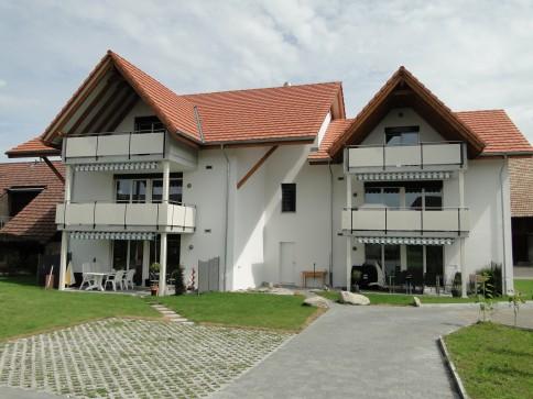 Grosszügige 4.5 Zimmer Neubau-Dachwohnung inkl. Parkplatz