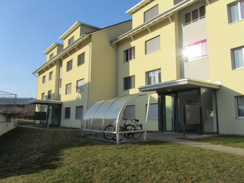 Grosszügige, helle Wohnung mit Balkon
