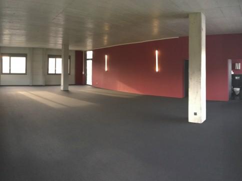 Günstige moderne Bürofläche in Reinach